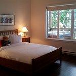 Bedroom_large.jpg