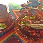 Siempre me encanta visitar La Guapachosa, tienen la mejor comida, música, atención y ambiente, m