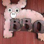 Amazing BBQ! If you are heading south and want a quick meal it is worth the stop!