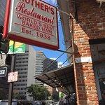 Mother's Restaurant Foto