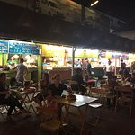 Photo de Chiang Rai Night Bazaar