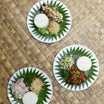 Fresh sashimi and homemade papaya pickles