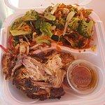Chicken! Chicken! Caribbean Wood Roasted照片