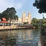 Photo de St. Paul's Hill & Church (Bukit St. Paul)