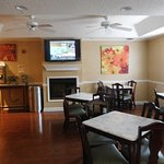 Photo de Baymont Inn & Suites Jacksonville