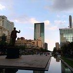 Photo de Ho Chi Minh Squares