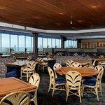 Foto de Horizons Oceanfront Restaurant - Clarion Resort