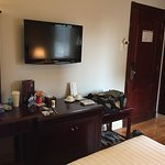 Photo of Roseland Point Hotel