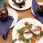 """""""The brunch"""" & muffin chocolate and costard"""