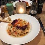 Cena perfetta al Giardino  insalata spinaci alla salsa di mele con capesante  Spinatsalat an Apf
