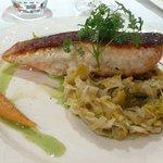 escalope de saumon, fondue de poireaux
