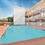 Foto de Baymont Inn & Suites Savannah Midtown