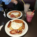 Cagneys Cafe