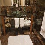 Foto de Hutton Hotel