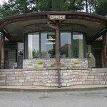 The Mountaineer Inn Photo