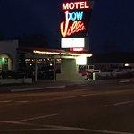 Photo de Dow Villa Motel