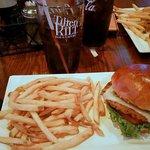 Tilted Kilt Pub & Eateryの写真