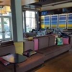 Lobby/bar area
