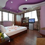 Honeymoon Suite with lake view