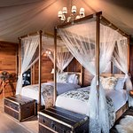 Luxury Family Tent bedroom with Emperor-sized bed (convertible to twin beds) and en-suite bathro