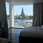 Amazing hotel. Great location and customer service. Way better than the near by hotel-the sala a