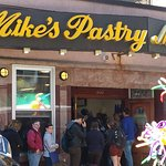 Mike's Pastry Foto
