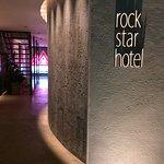 Photo de rock star hotel