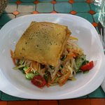 Vegetable salad with goat cheese pastry - delicious!!!