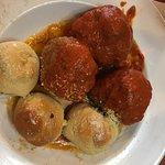 Meatballs & garlic rolls