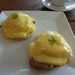 Superb eggs benedict
