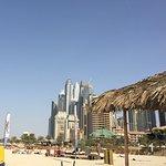 Jumeirah Beach vor dem Hotel