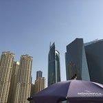 Sonnenschirme von Mövenpick am Jumeirah Beach