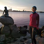Early morning run = Lena, me, and two Danish teenagers at the Little Mermaid Statue.