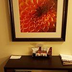 Photo de Staybridge Suites Madison East