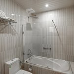 High-end and clean attached Bathrooms in all cottages