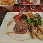 tartare : la viande est cuite par l'assaisonnement et hachée ... beurk
