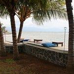 Nice rest area close too the sea.