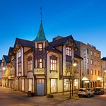Grand Hotel Egersund  was opened as a hotel in 1895. We have 101 rooms, restaurant and bar.