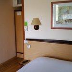 Grand lit double pour deux personnes