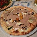 Pizza vegetariana con bagna cauda