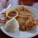 File de peixe frito com 2 acompanhamentos