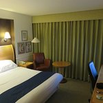 Standard room at Holiday Inn Glasgow Airport