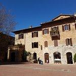 Foto de Torre Grossa (o Torre del palazzo del Podesta)