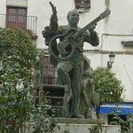 Monumento a Enrique Montoya