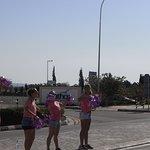 amimation girls cheering on the marathon runners
