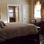 Jennifer, 1st floor, king size bed
