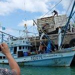 Loading ice onto a fishing boat - Chaloklum Pier!