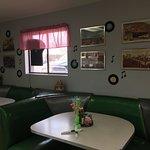 Foto de 50's Diner Backseat Bar