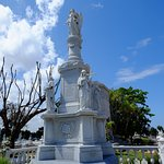 Foto de Christopher Columbus Cemetery (Cemetario de Colon)