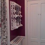 Room 1 en-suite bathroom